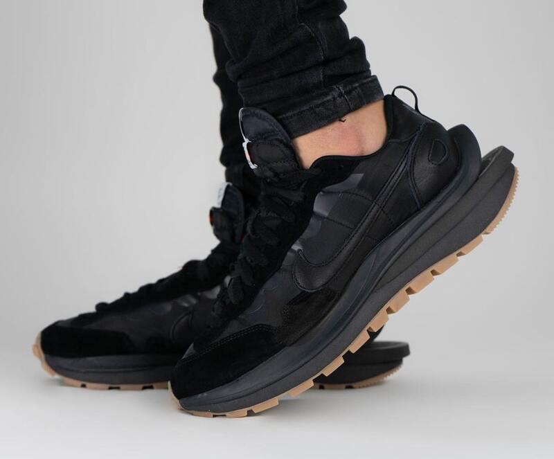 Sacai-Nike-VaporWaffle-Dark-Iris-DD1875-500